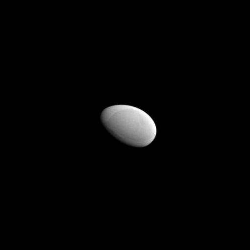 Вот примерно так с расстояния в десяток километров и выглядит космический корабль в Мире Колыбели - когг или галеон.